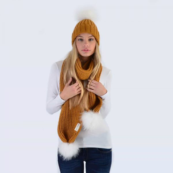Caramel Set with White Fur Pom Poms