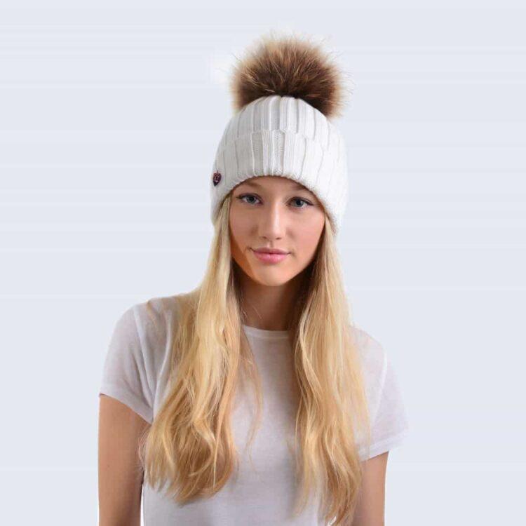 merino_ivory_hat_real_brown_model