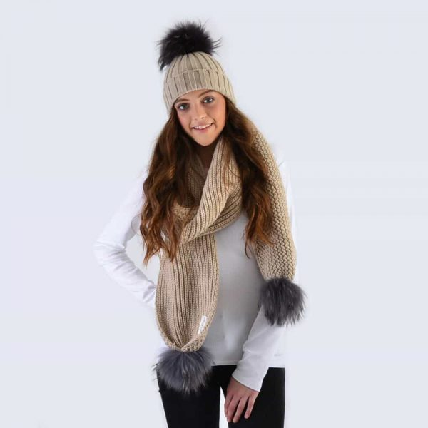 Oatmeal Set with Grey Fur Pom Poms