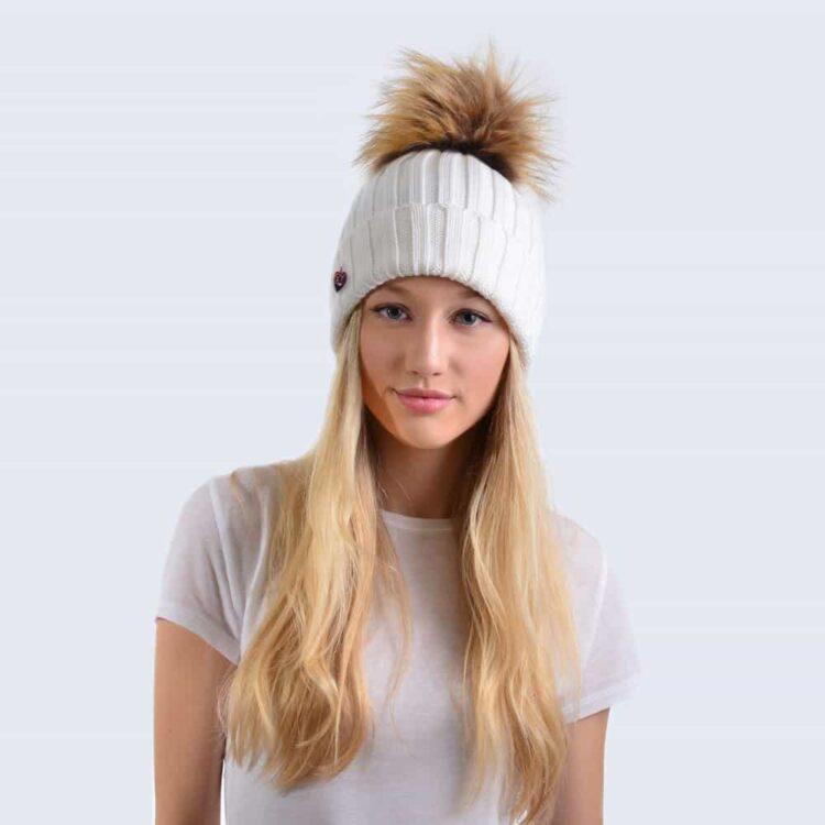 merino_ivory_hat_faux_brown_model